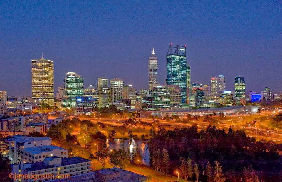 Perth-CBD-skyline-at-night