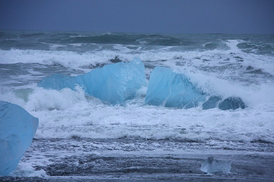 Being adventurous in Iceland - boat trips in the glacier lagoon