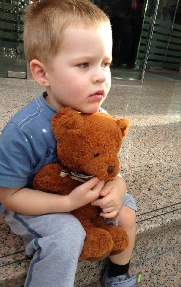 Travelling with kids - Jack the bear waiting for Emirates flight