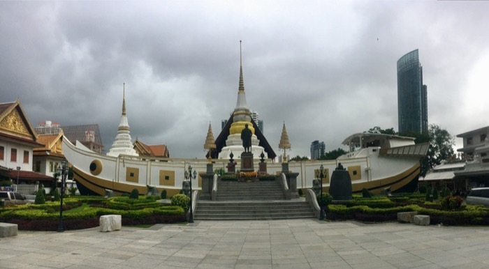 VIew at the temple in Bangkok just before the rain
