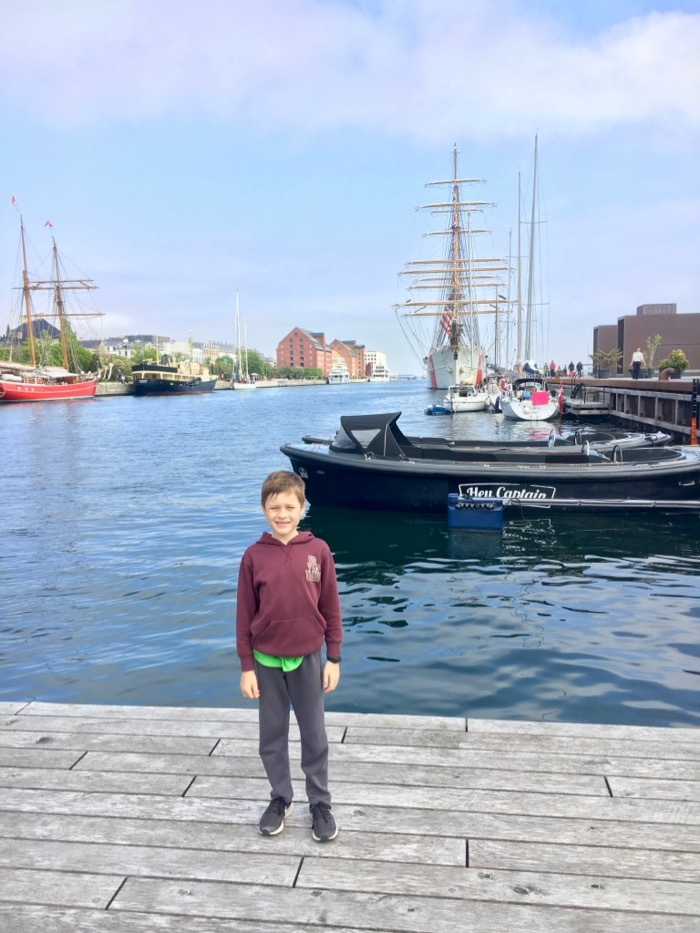 Ready and waiting at Ofelia Plads for our Copenhagen cruise with Hey Captain
